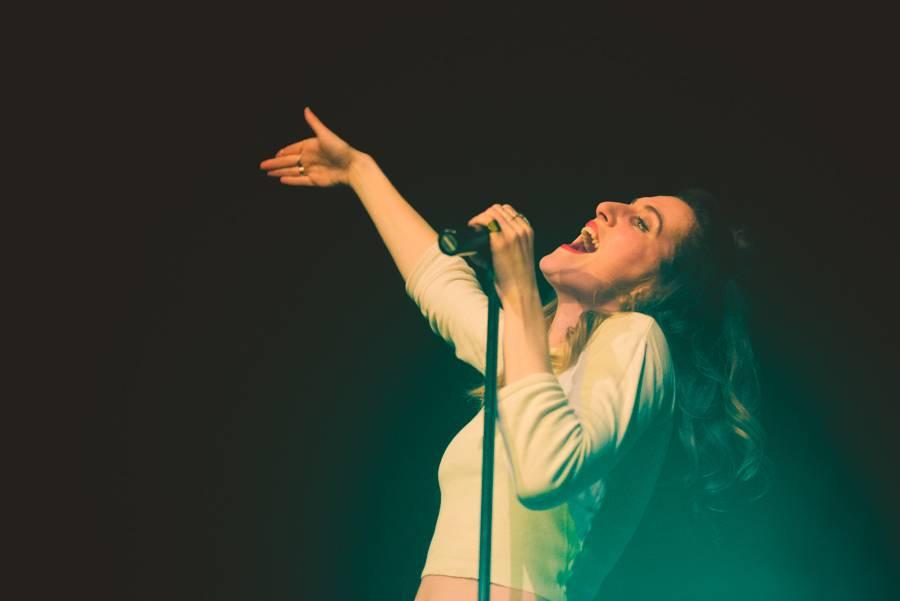 VIDEO: Klára Vytisková vstupuje do roku 2017 jako Klara & The Pop. Klip natočila ve čtvrtém měsíci těhotenství