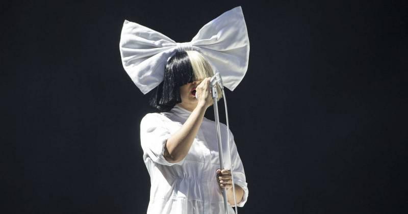 TOP 8 videoklipů týdne (120.): Petr Bende restartuje, Sia miluje filmy a London Grammar zapojili orchestr
