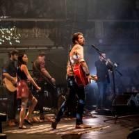 VIDEO: Jelen zachytil atmosféru svých živých koncertů do klipu Pohanská, Vlčí srdce už je platinové