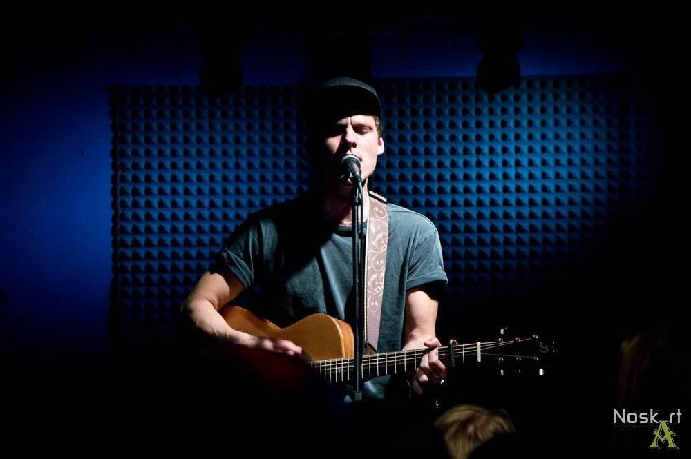 TOP 9 videoklipů týdne (123.): Jamiroquai znovu oslní funkem, Pavel Callta má píseň ke knize