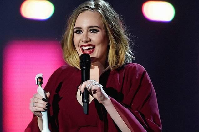 V Londýně se předávají Brit Awards, představí se Ed Sheeran, Bruno Mars či Katy Perry