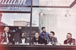 VIDEO: Linkin Park mají klip ke svému popovému duetu