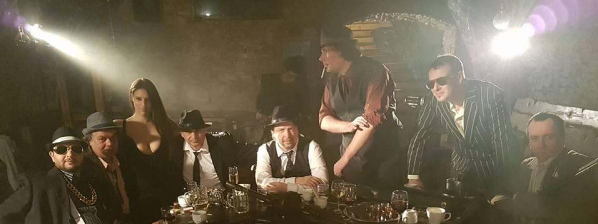 TOP 7 videoklipů týdne (131.): Skupiny Lacuna Coil, Medvěd 009 a Clean Bandit spojuje smrt