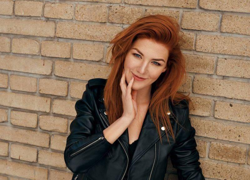 VIDEO: Debbi přichází s hitem letošního léta. Pull Me Out jí napsal Jakub Ondra