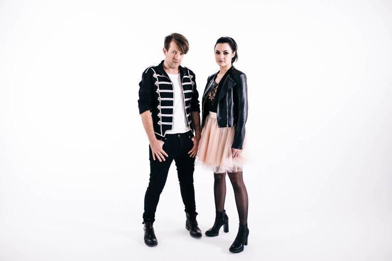 VIDEOPREMIÉRA: Jan Nedvěd a Nera vás roztančí v duchu rock'n'rollu