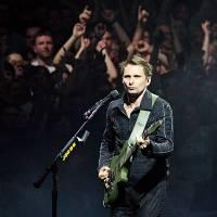 TOP 8 videoklipů týdne (139.): Muse přicházejí s poselstvím naděje, Tomáš Klus natáčel na koncertech a Pokáč dědkovatí