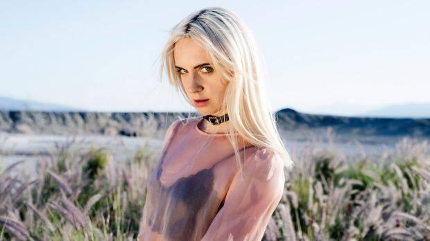 TOP 8 videoklipů týdne (140.): Lana Del Rey a The Weeknd dobývají Hollywood, Katarzia se miluje s hudbou