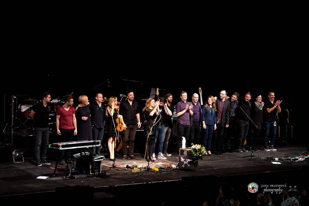 VIDEO: Přej si, co chceš, vzkazuje Aneta Langerová svojí Hvězdou. Koncertní živák Na vlně radosti vydá v září