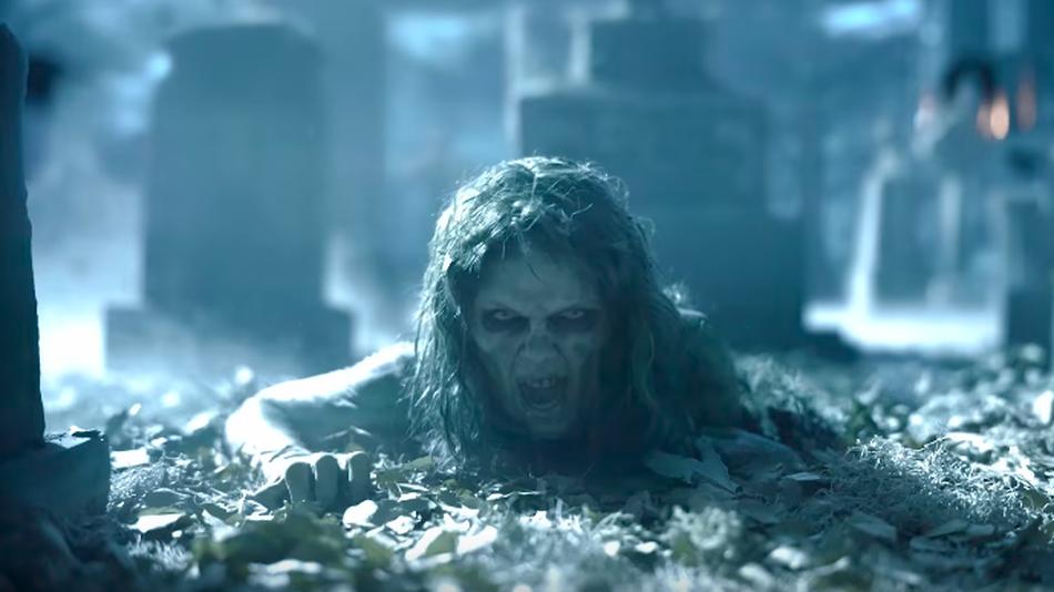 VIDEO: Taylor Swift jako zombie i hadí královna. Její novinka bortí hitparády