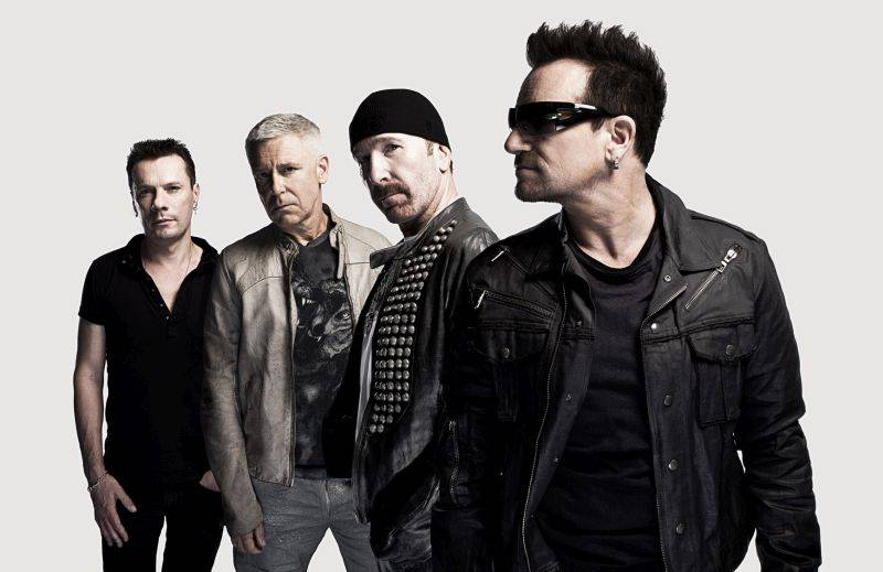 VIDEO: U2 představili první song z nové desky. Vrací se v něm k syrovému rocku