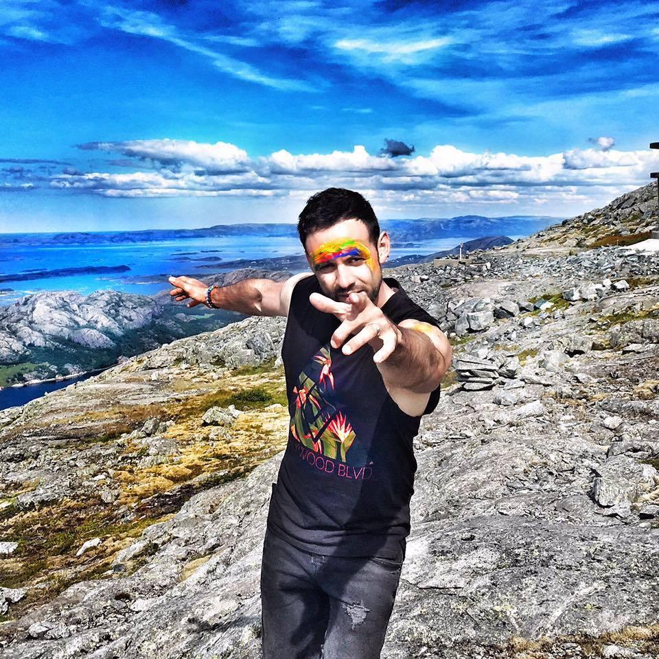 VIDEO: Michael Foret spontánně natočil klip nad norskými fjordy. V Rockstar zpívá o ztrátě pokory