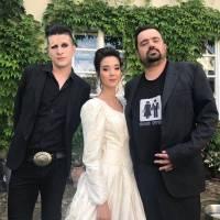 VIDEO: Smrtislav vás vezme na obskurní svatbu. V hlavních rolích Pavel Novotný a pornoherečka Lady Dee