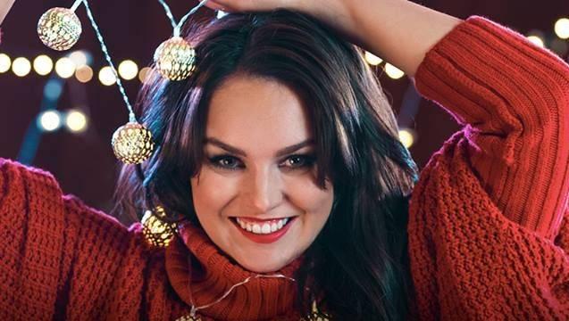 VIDEO: Ewa Farna si přeje Vánoce na míru