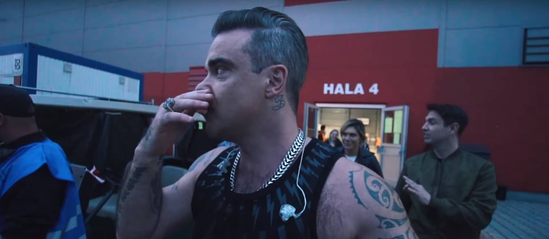 VIDEO: Robbie Williams vloguje i z Prahy a přináší klip k nové písni