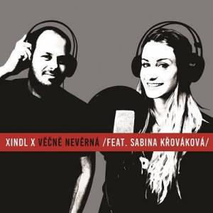 VIDEO: Xindl X se Sabinou Křovákovou jsou v novém klipu chorobně nevěrní