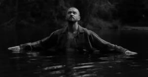 VIDEO: Justin Timberlake v novém klipu utíká z utopie 21. století