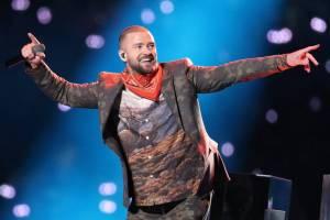VIDEO: Justin Timberlake vzdal na Super Bowlu poctu Princovi. Podívejte se na jeho vystoupení
