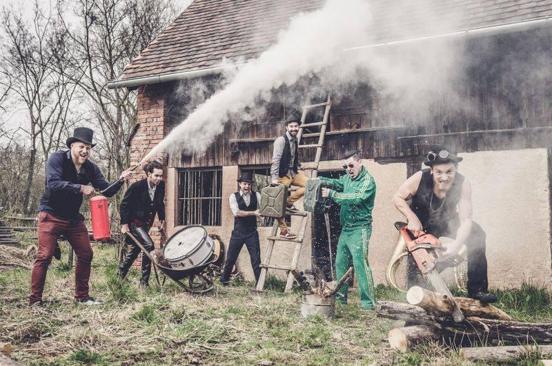 VIDEOPREMIÉRA: Circus Brothers přispěchají v následujících dnech s novým albem. Podívejte se na klip Gas, Gas
