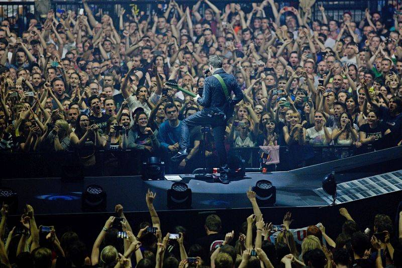 VIDEO: Muse se přiklání na temnou stranu. Novým singlem ohlašují album Simulation Theory