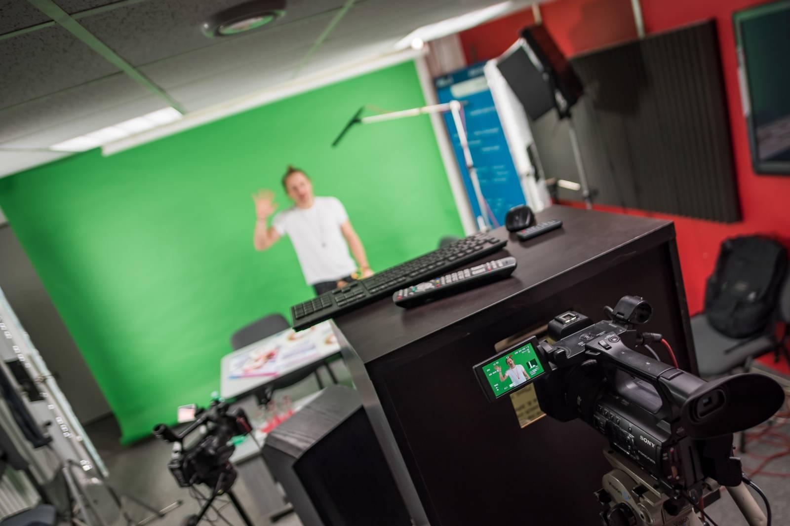 VIDEOROZHOVOR: Tomáš Klus - Na pódiu potřebuji podávat výkony, mít pocit, že jsem odevzdal všechno