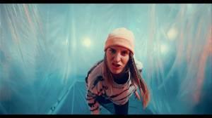 TOP 9 videoklipů týdne: Gaia Mesiah se klaní Janu Husovi, Chinaski přicházejí s dojemným Tamaryškem