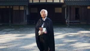 Bizár týdne: Japonská óda na bojující slepici se stala hitem internetu