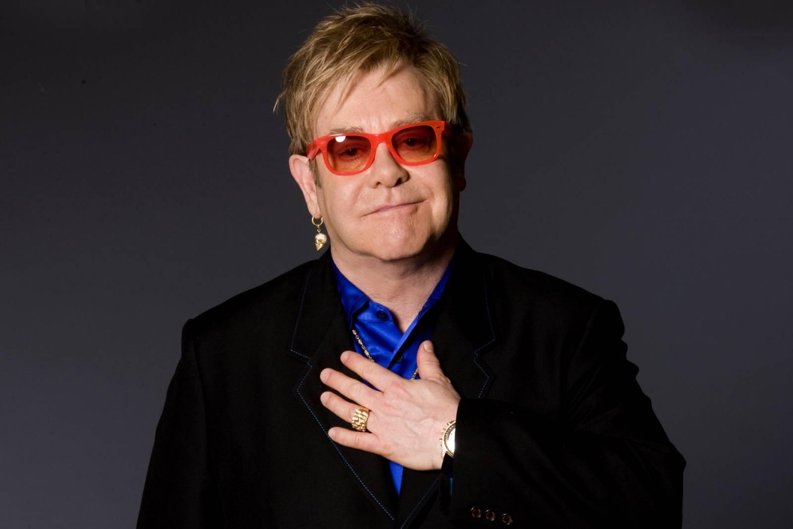 VIDEO: Nové hudební filmy na obzoru. Podívejte se na upoutávky snímků o Eltonovi Johnovi a Mötley Crüe