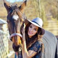 Bizár týdne: Kamila Nývltová zpívá o idolu, kterého zbožňovala ve svých sedmnácti