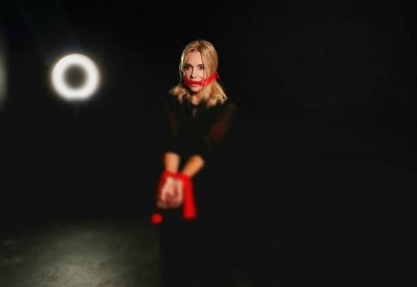 TOP 6 videoklipů týdne: Tereza Mašková vsadila na češtinu, Dara Rolins zpívá o domácím násilí