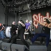 VIDEO: Viděli jste, jak maskovaná Metallica v Praze v roce 2004 vystoupila spolu se Slipknot?