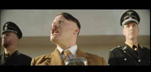 VIDEO: V novém klipu Monkey Business Worst Lover Ever je Matěj Ruppert jako Adolf Hitler