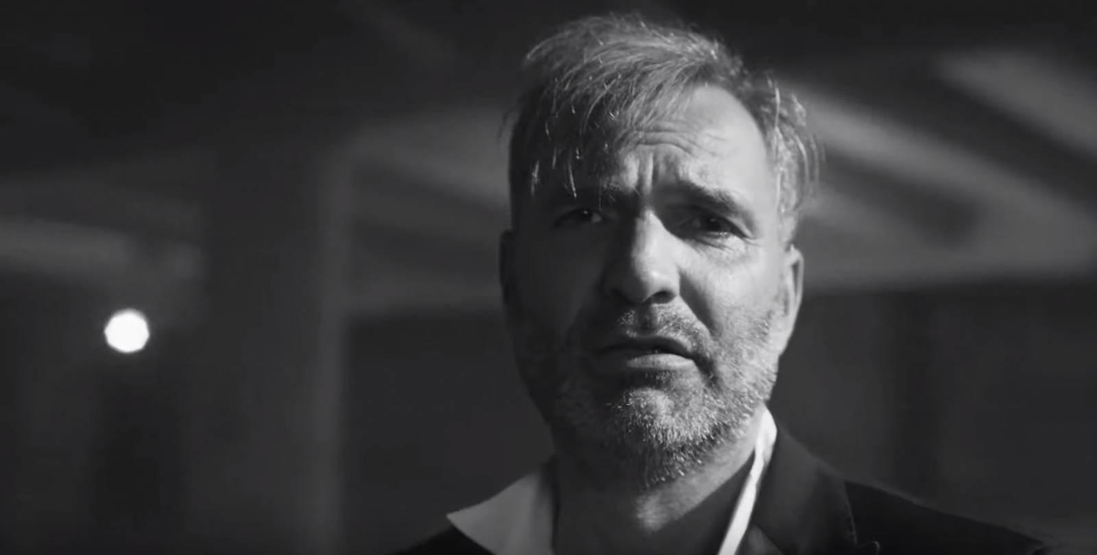TOP 7 videoklipů týdne: Černobílí Mig 21 zvou na turné, Petr Harazin z Nebe zpívá o boji s alkoholem