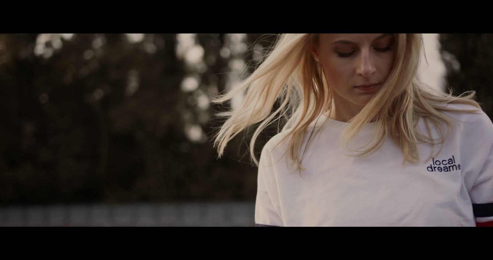 TOP 7 videoklipů týdne: Wohnout se pokusili o normální klip, Mandrage to vidí růžově