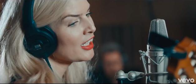 TOP 5 videoklipů týdne: Jan Bendig s Milanem Peroutkou v chytlavém duetu i neveselí John Wolfhooker