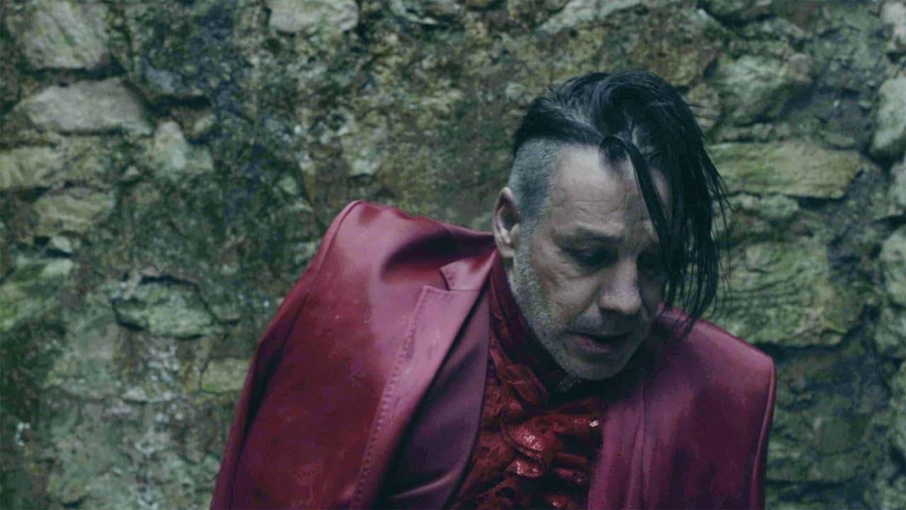 VIDEO: Lindemann mají videoklip k Ach so gern, který je celý na jeden záběr