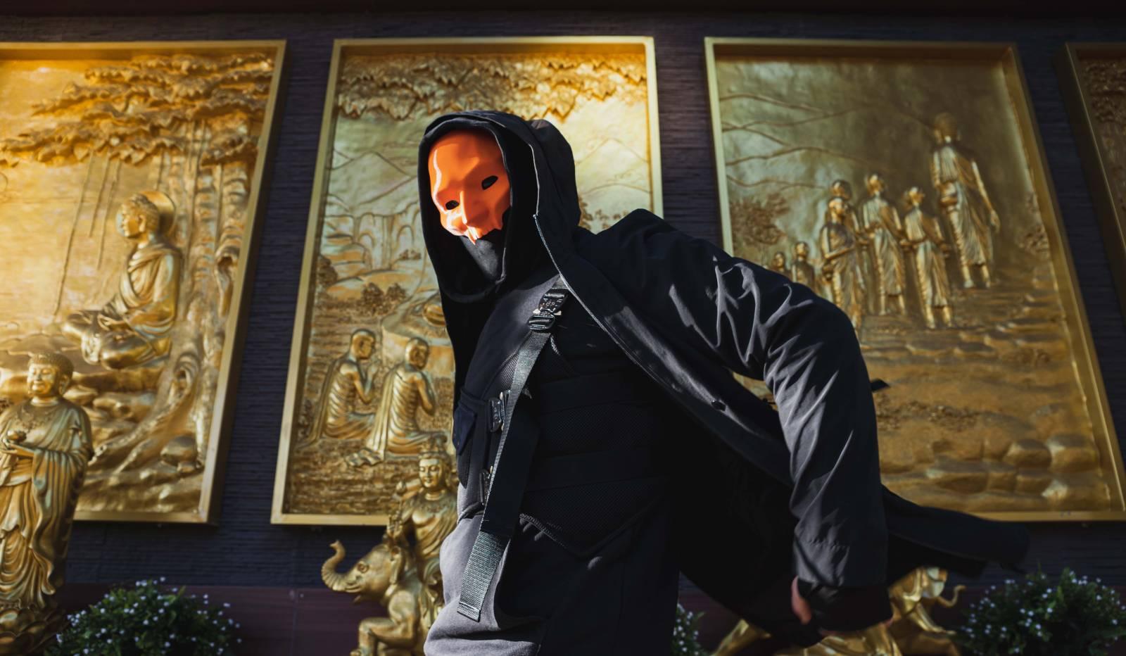TOP 7 videoklipů týdne: Majk Spirit pomáhá hudbou, Adam Mišík zpívá o drogách, Ondřej Fiedler se maskuje