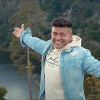 "BIZÁR TÝDNE: ""Olomouc, Kladno, Teplice, Most, Strakonice, Hradec a Pardubice,"" rapuje Raego a Argema hraje"