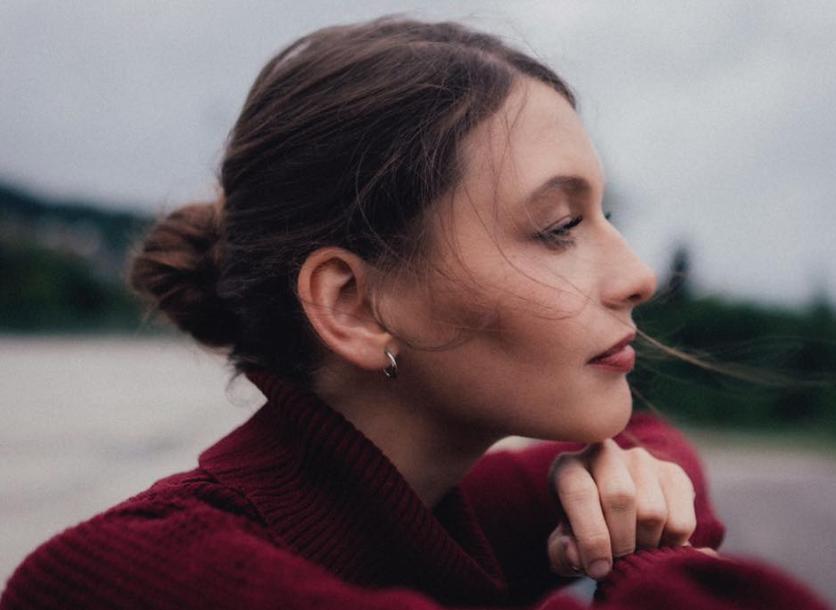 TOP 5 videoklipů týdne: Kateřina Marie Tichá je sama ve vztahu, nebinární a transgender modelky v klipu Giudi