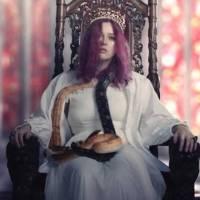 Karin Ann zpívá o svém nejtemnějším období, píseň doprovází hororový videoklip