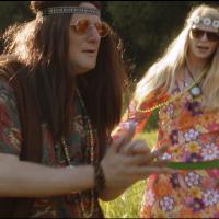 VIDEOPREMIÉRA: České srdce a hippie Lukáš Pavlásek na cestě na Okoř