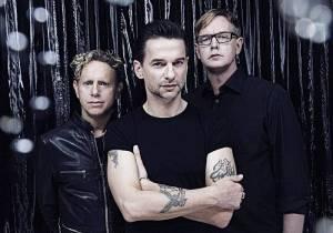 Depeche Mode: v novém klipu Personal Jesus vymýtají ďábla
