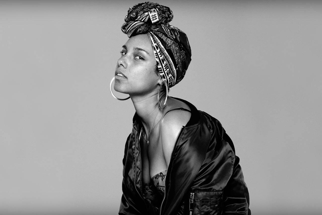 AUDIO: Alicia Keys nestojí na místě. V novém singlu vás nečekaně roztančí