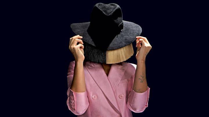 AUDIO: Sia se v srdceryvné baladě změnila v Malou sokolnici a burcuje: Dokážeš cokoliv!