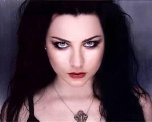 AUDIO: Amy Lee, hlas Evanescence, má sólový singl Love Exists