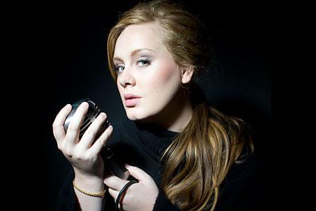 Adele vs. Michael Jackson: Trumfla krále popu v prodejnosti