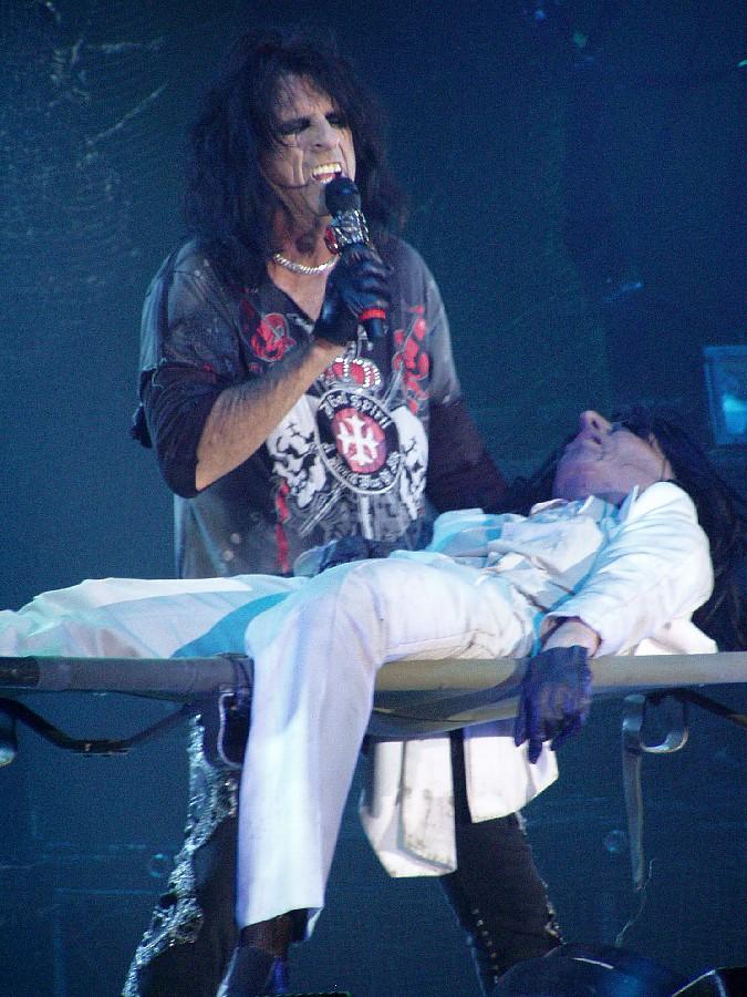 LIVE: Dirigent Alice Cooper a jeho dekadentní večírek v roce 2008