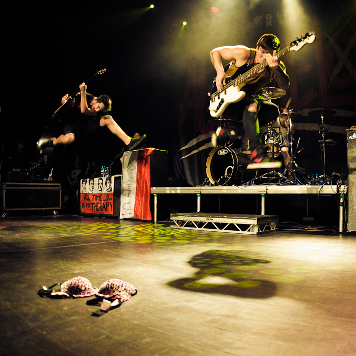 LIVE: All Time Low pod palbou podprsenek