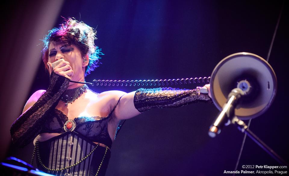 LIVE: Amanda Palmer miluje Prahu, Praha miluje Amandu Palmer