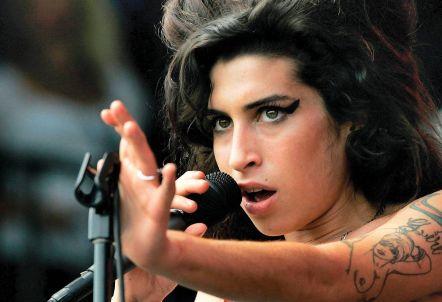 Koncertní vzpomínka na Amy Winehouse v neděli po 22. hodině na Radiu Wave