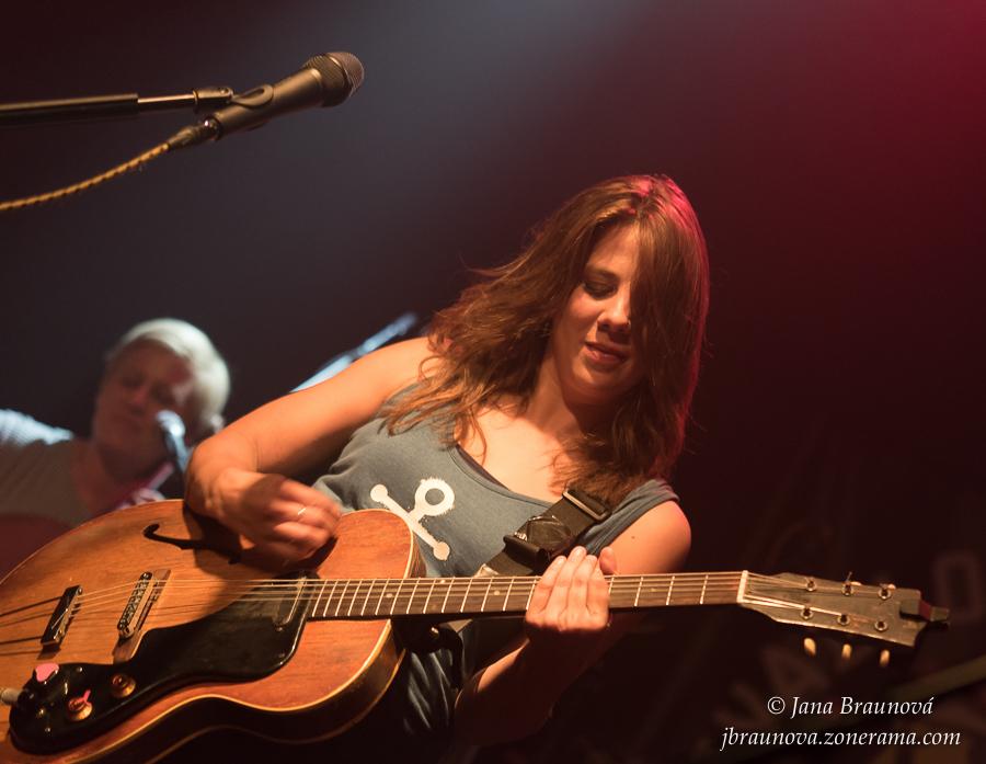 Dvakrát platinová Aneta Langerová pokračuje v turné a vydá vinyl